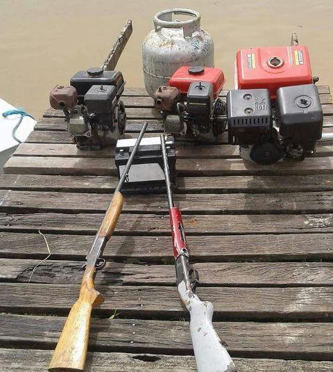 Armas e motores roubados foram apreendidos