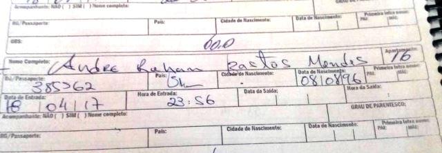 Ficha assinada pelo rapaz no dia 18