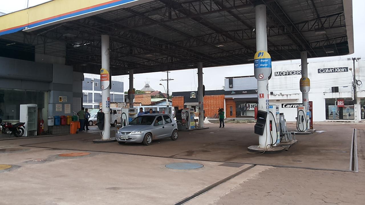 Perseguição, tiros e morte após assalto a posto de gasolina