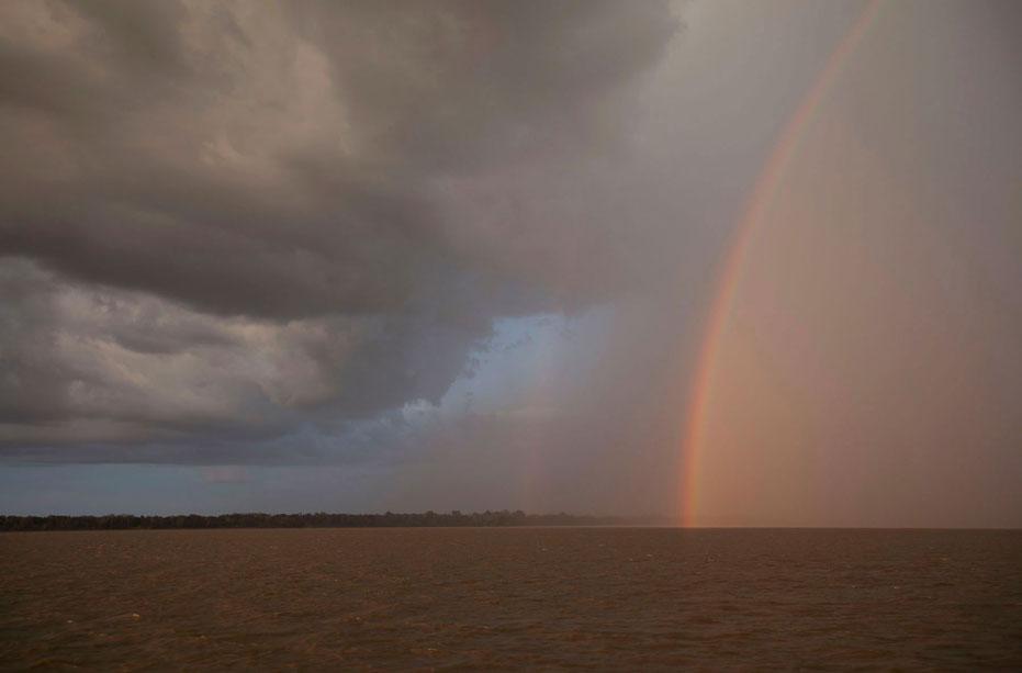 Combinação de fatores pode fazer Rio Amazonas invadir o comércio