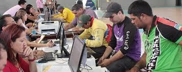 Vínculo empregatício elimina 183 candidatos na licitação para mototáxi