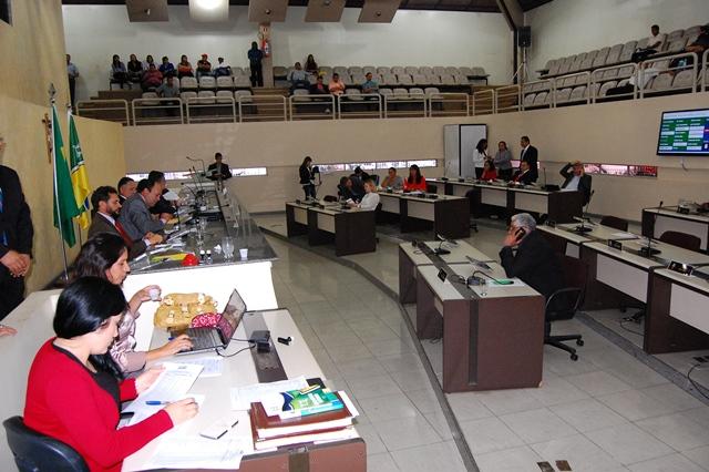 Justiça bloqueia contas de 21 deputados estaduais