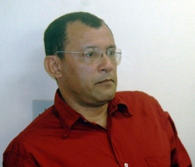 Fran Júnior falsificou documentos para denunciar Randolfe e Capiberibe, diz MP