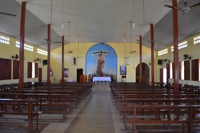Igreja Católica abrirá templos apenas para orações individuais