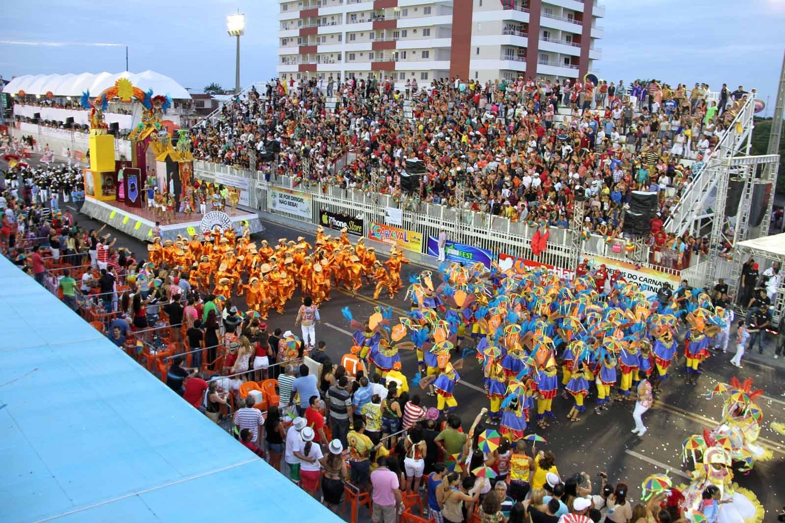 Carnaval: Governo acena com R$ 2,5 milhões; escolas querem mais