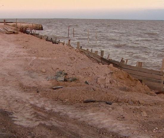 Depois de 4 meses, o muro de arrimo do Aturiá é retomado