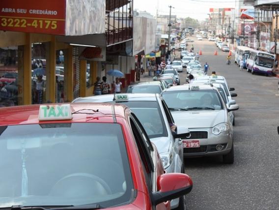 """Macapá: Taxistas querem """"bandeira 2"""", enquanto reajuste não é definido"""