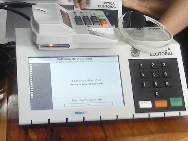 Urnas das Zonas Eleitorais de Macapá são lacradas