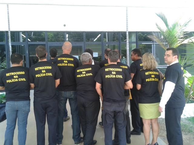 Delegados entregam exoneração coletiva