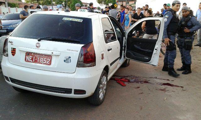 Passageiro baleado em táxi sobrevive. VÍDEO mostra após o crime