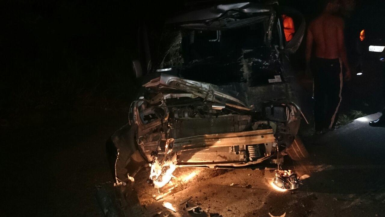 Uma pessoa morre e cinco ficam feridas em acidente na BR-156
