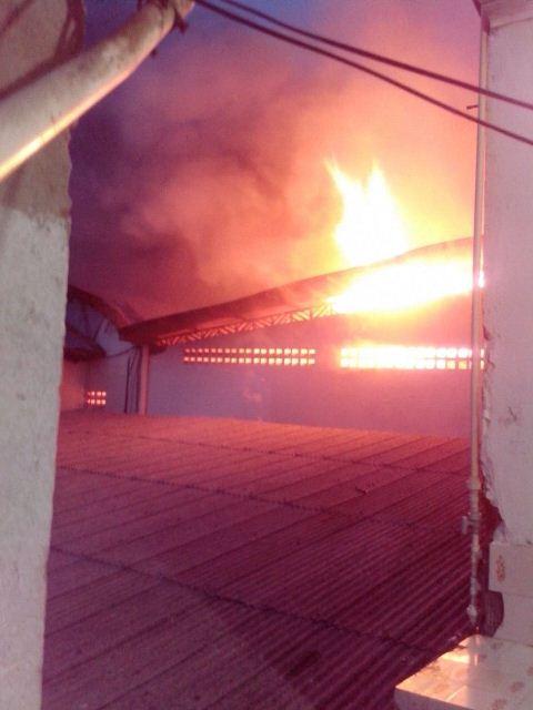 Recomeça incêndio no Armazém Brasil