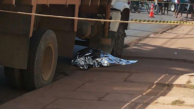 Caminhão atropela e mata mulher com transtornos mentais
