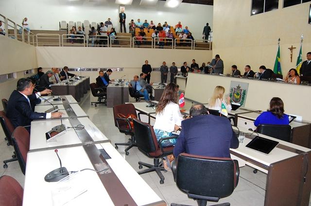 Sessão extraordinária: Deputados aprovam retorno da regência de classe