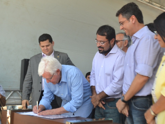 Ministro repassa terras ao AP liberando a Norte/Sul