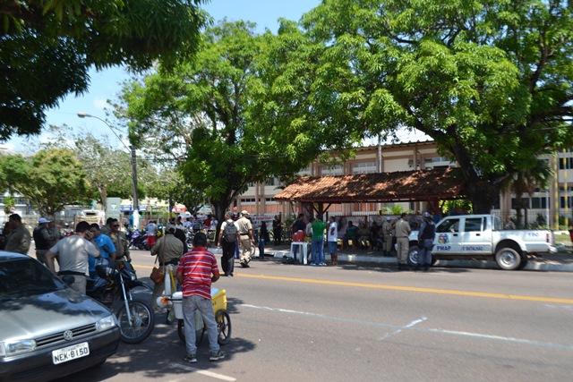 Guardas municipais há quase um mês parados