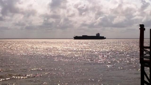 Navio vindo da África tenta aportar no Maranhão