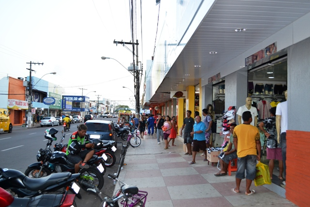 Centro Comercial ainda é o preferido para compras de Natal