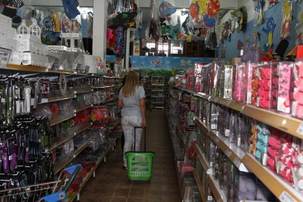 Em crise: Comércio conta as horas para o Dia das Crianças