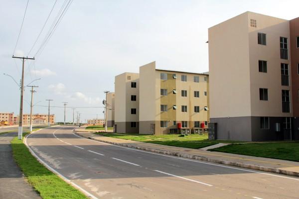 Macapaba: Assistentes sociais já encontraram de 366 apartamentos vazios