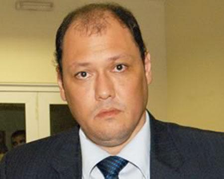 Prefeito de Santana e 2 deputados eleitos denunciados à Justiça