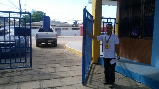 Exemplo: Conheça o porteiro de 50 anos que foi 1º lugar no concurso do Tjap