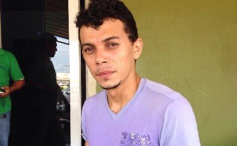 """Mototaxista morto: """"Me olham como se eu tivesse matado ele"""", desabafa vítima de falsa notícia"""