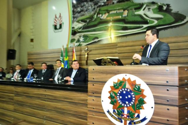Câmara de Macapá: Acácio toma posse por mais 2 anos