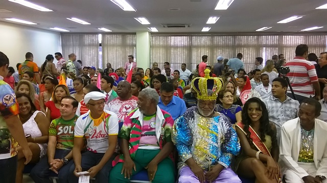R$ 4 milhões: Entidades carnavalescas recebem repasse do governo
