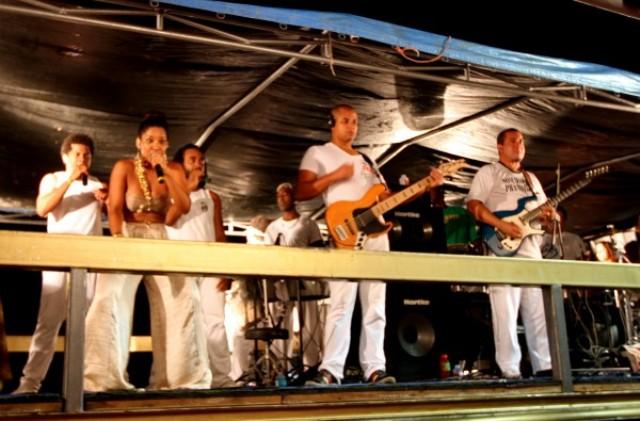 Santana Verão: Artistas de Santana amargam calote da prefeitura