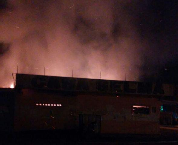 Zona Norte: Homem morre eletrocutado durante incêndio
