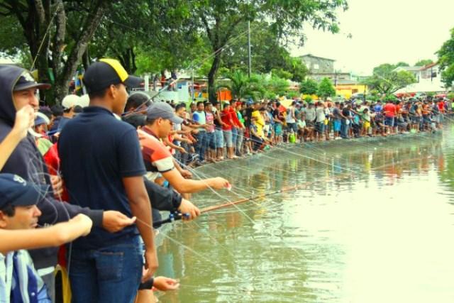 aniversário de macapá: Pescaria na praça com 2 toneladas de tambaqui