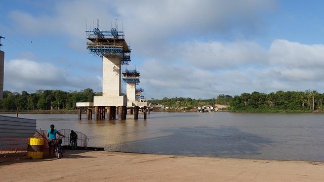 Ponte do Matapi: Há 8 meses sem receber, C.R. Almeida interrompe construção