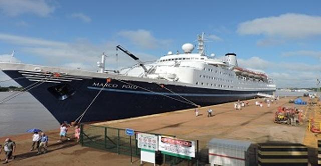 cruzeiro internacional: Turistas estrangeiros visitam Macapá