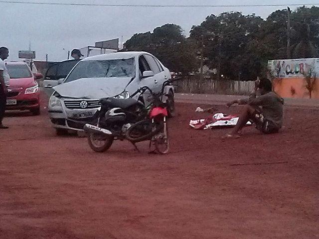 """Embriaguez: Carro que fazia """"zig-zag"""" mata motociclista na Rodovia do Curiaú"""