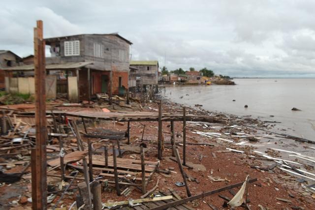 não querem sair: Defesa Civil recorre ao MP para tirar famílias do Aturiá