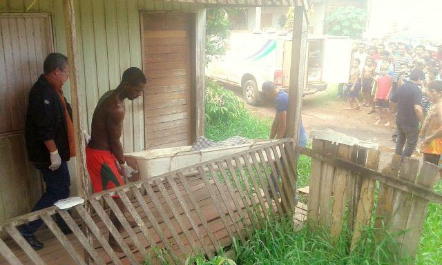 Cuba de asfalto: Travesti é encontrado morto; polícia procura suposto namorado