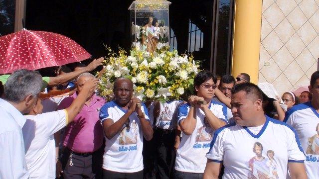 padroeiro: Homenagem a São José tem missa, festa dos devotos e show nacional