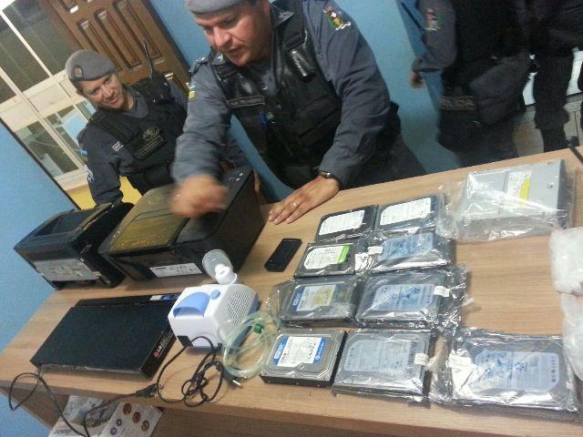 vídeo: Objetos furtados estavam espalhados em apartamentos do Macapaba
