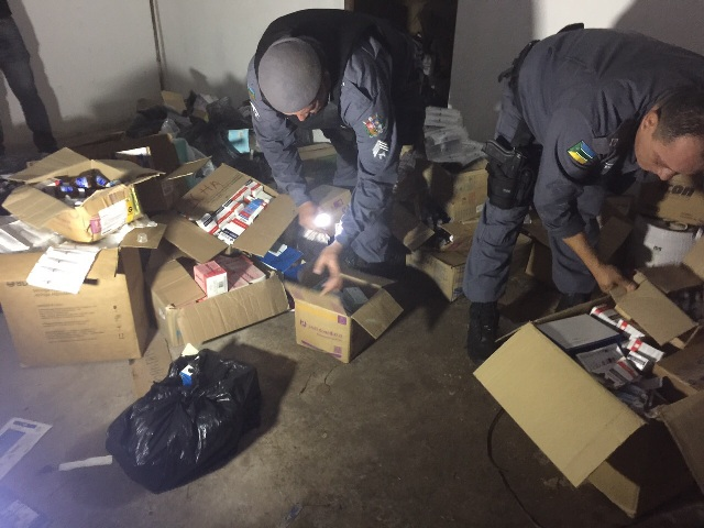 Prefeitura de Santana: Servidores tentam descartar medicamentos e são presos