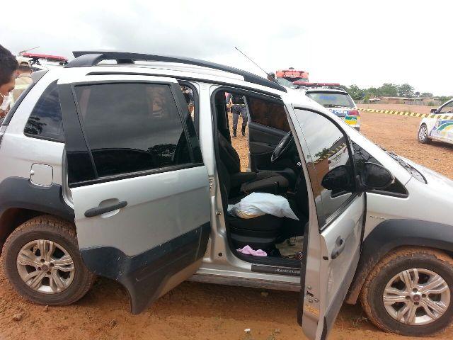 Zona Norte: Mulher é encontrada morta dentro de carro