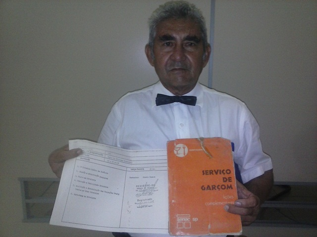 Manoel Castelo: Um garçom nos bastidores do poder
