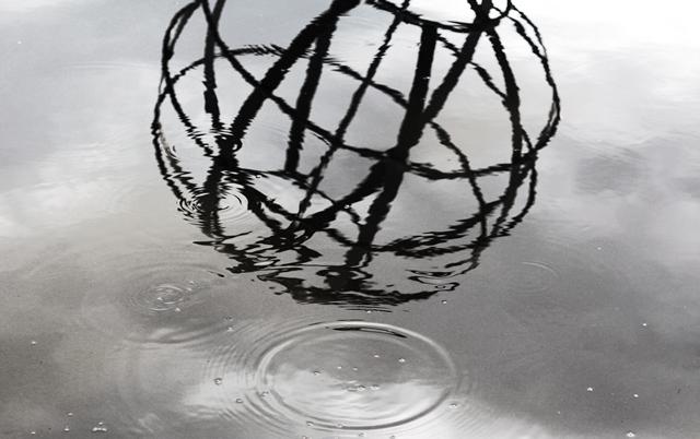 Manoel do Vale: A arte de andar por entre as chuvas
