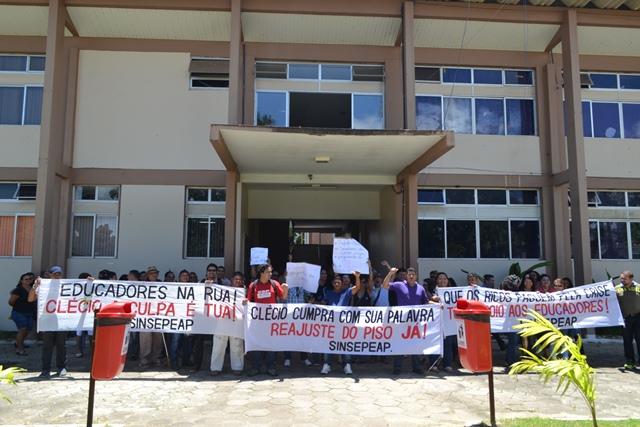 Decidido em assembleia: Professores de Macapá entram em greve na próxima quinta-feira, 16