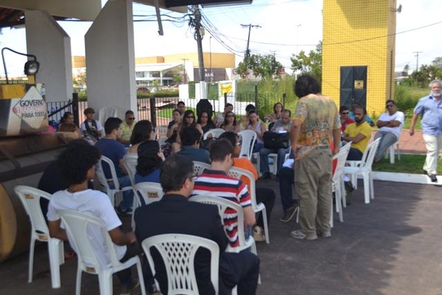 Por um dia: Professores da Unifap cruzam os braços; governo inicia negociação