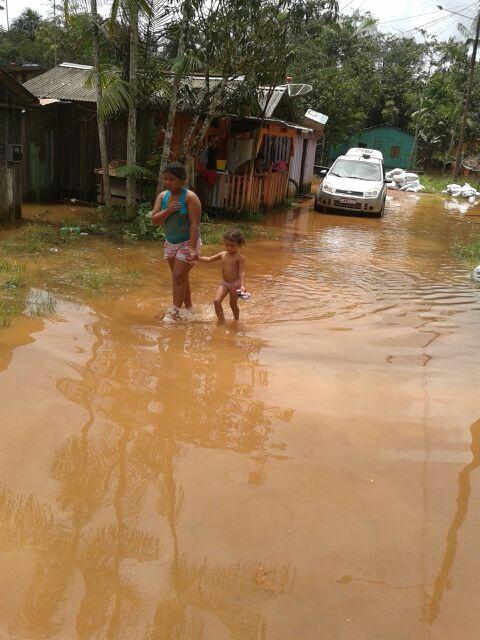 Alerta: Chove há 1 mês no Rio Oiapoque