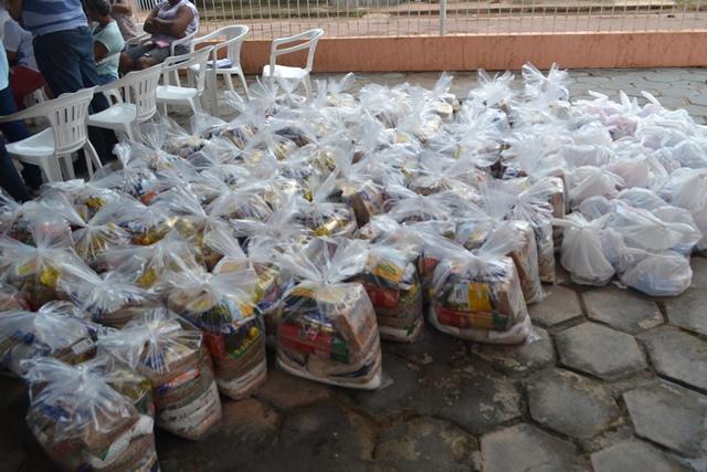 Doação no Ijoma: Cestas básicas não, um gesto de amor