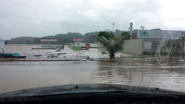 Ensecadeira: Suposto rompimento em obra de hidrelétrica alaga Ferreira Gomes