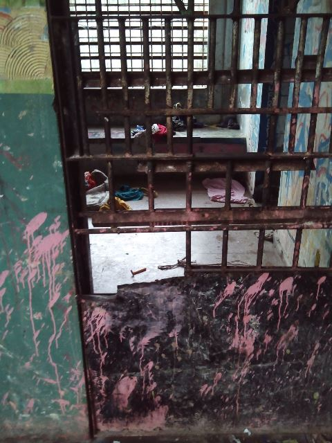 Horas de cão no Cesein: Em 12 horas, funcionário é espancado e 6 internos fogem