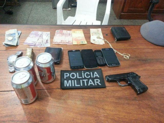 Fotos na rede: Suspeitos são reconhecidos em grupo de WhatsApp quando almoçavam em balneário